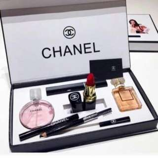🌟Instock🌟 Chanel Make-up set