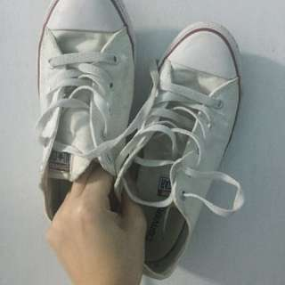 Authentic Converse (Chuck Taylor All Star)
