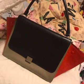 (95%New) Celine Trapeze 🍑bi-colour large bag