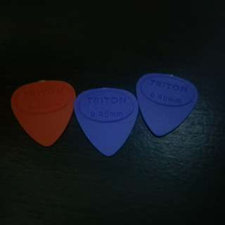 3 bn guitar picks 0.46mm size free postage