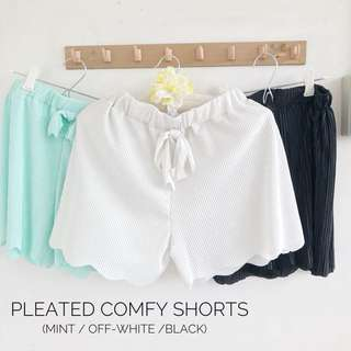 Pleated Comfy Shorts