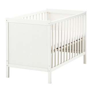Ikea Baby Cot (very well maintained)
