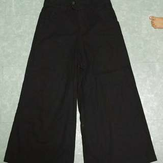 Black Highwaist Square Pants