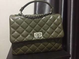 Quilt Tote in Army Green