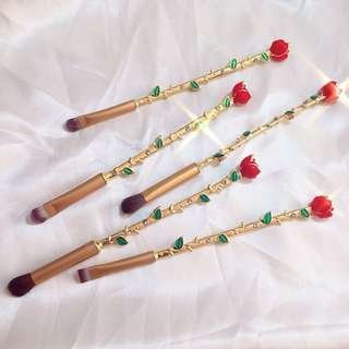 Beauty and The Beast Roses Makeup Brush Set