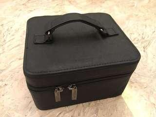 GIORGIO ARMANI Cosmetic Bag x Limited Edition