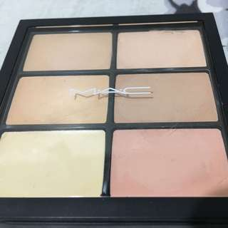 MAC Pro Conceal and Correct Palette / LIGHT