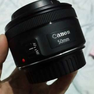 CANON EOS 1300D w/Prime lens