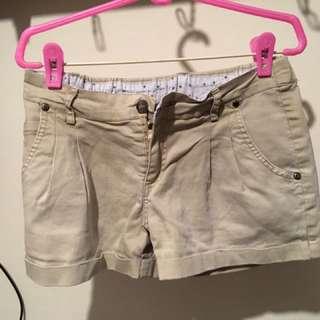 杏色 短褲