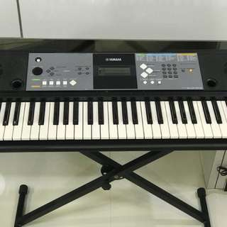 Yamaha Keyboard PSR E233 comes with keyboard stand