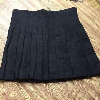 黑色百褶短裙
