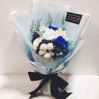Fleur lab 永生花藍色花束