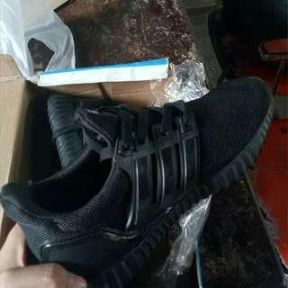 Adidas Boost Class A Size 6-7