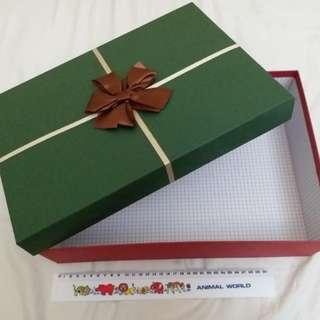 全新大禮物盒