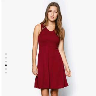 NINE2FIVE Maroon Sleeveless Dress