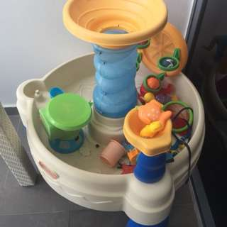 PL Little Tikes water play table