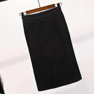黑色針織中長冷裙