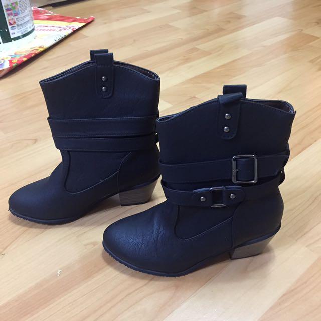 全新✨黑色個性短跟馬靴23號