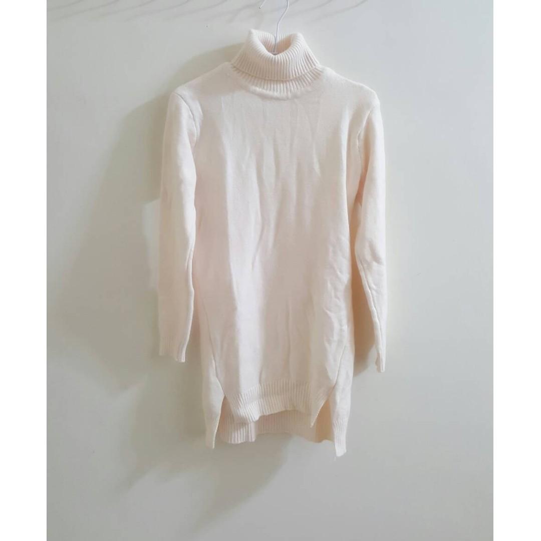 【近全新】高領長版針織洋裝