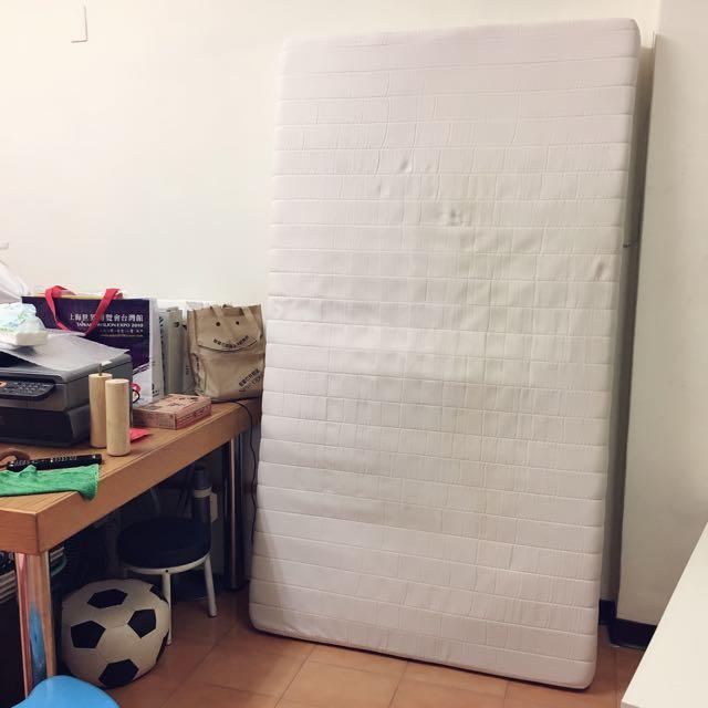 搬家出清~單人兩用木腳床架床墊便宜賣附保潔墊/床包