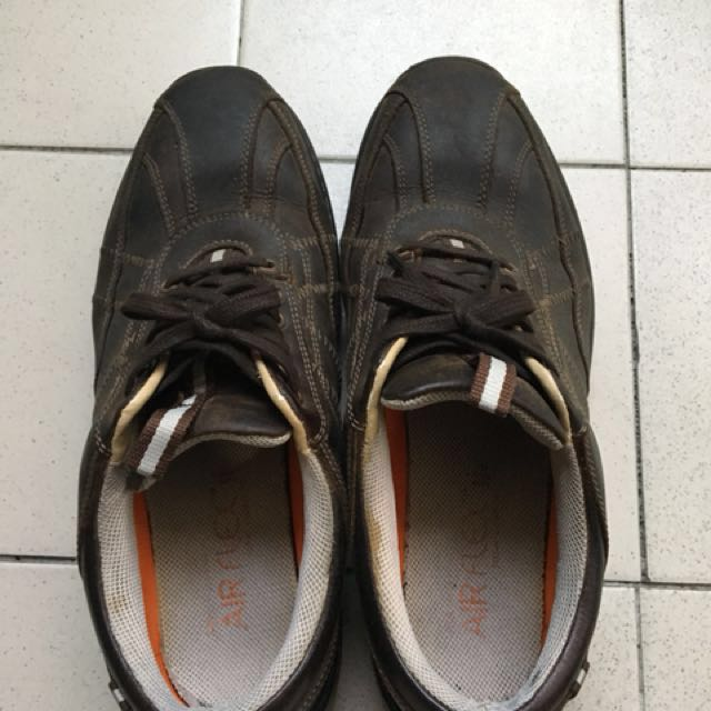 英國🇬🇧購入 舒適好走男鞋