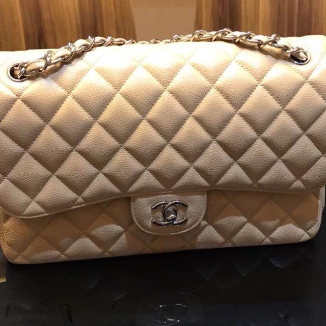 Authentic Chanel Jumbo Double Flap caviar