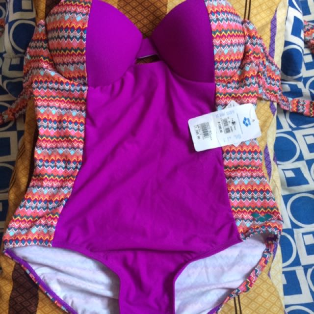 BNWT Arena One piece