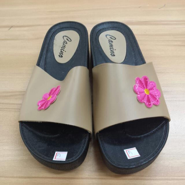 CAMINO ladies Slipper / Step In With Pink Flower Patch Beige