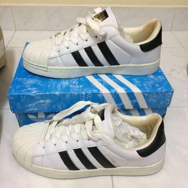 timeless design 97aa1 6e554 Fake Adidas Superstar, Women s Fashion, Shoes on Carousell