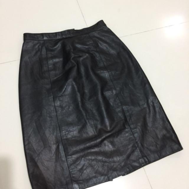 Genuine leather skirt black
