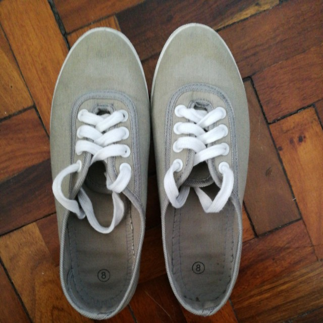 Gray Sneakers size 8