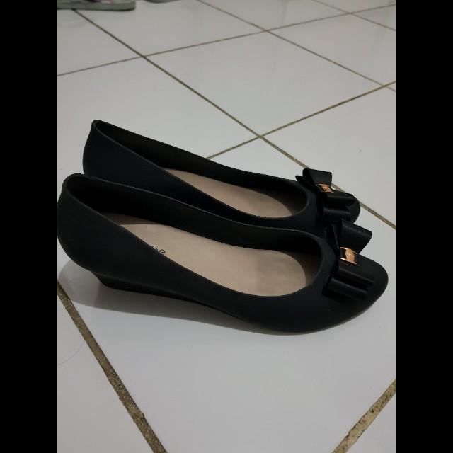 Jelly pump black shoes rubi