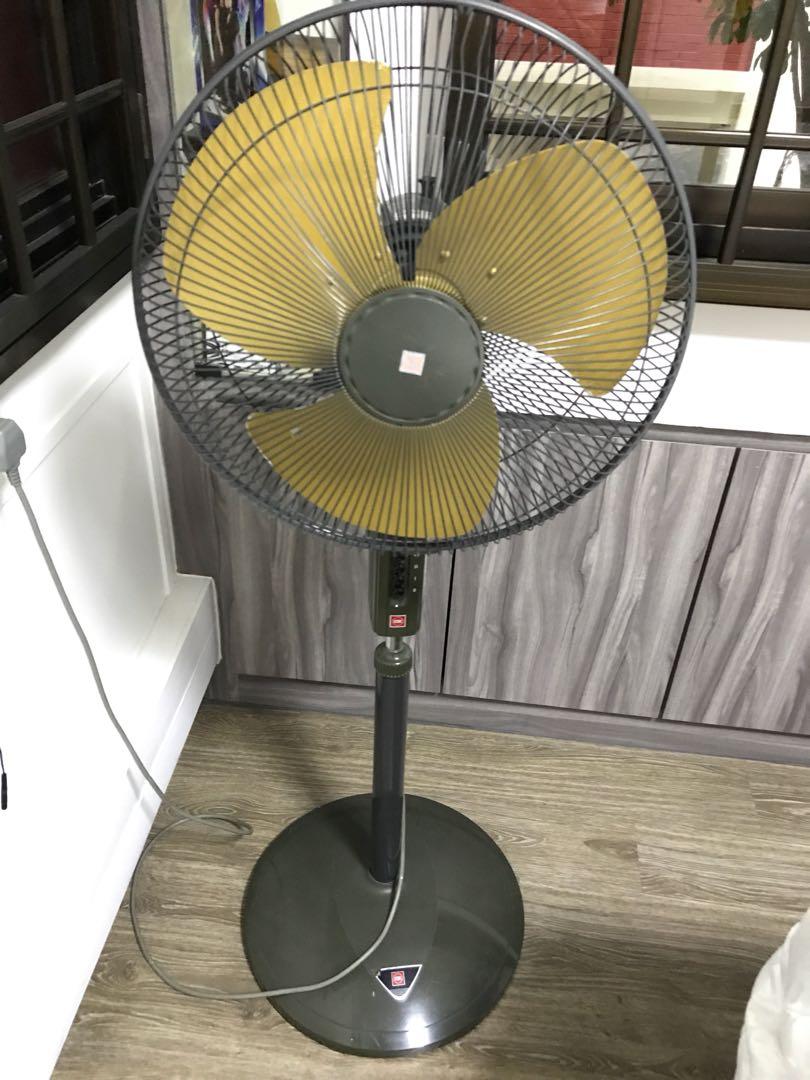 KDK standing fan with metal blades