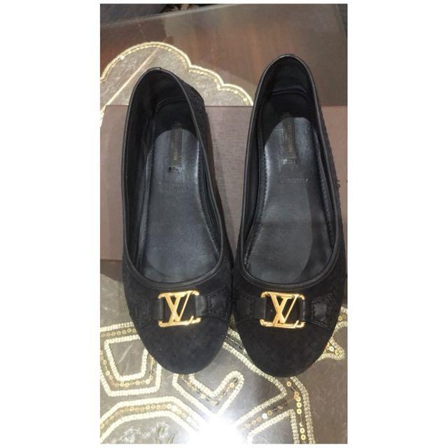 Louis Vuitton flats B.