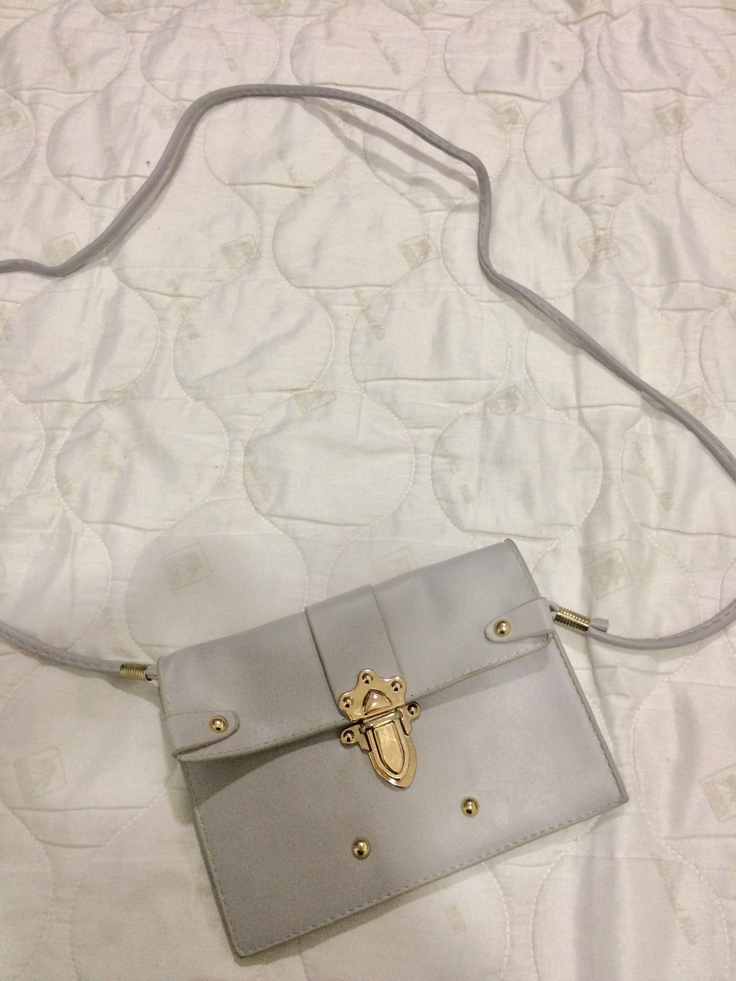 Lovely sling bag ❤️