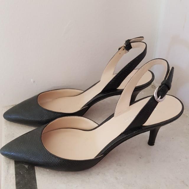 598c65382ab Nine West kitten heel black leather low heel