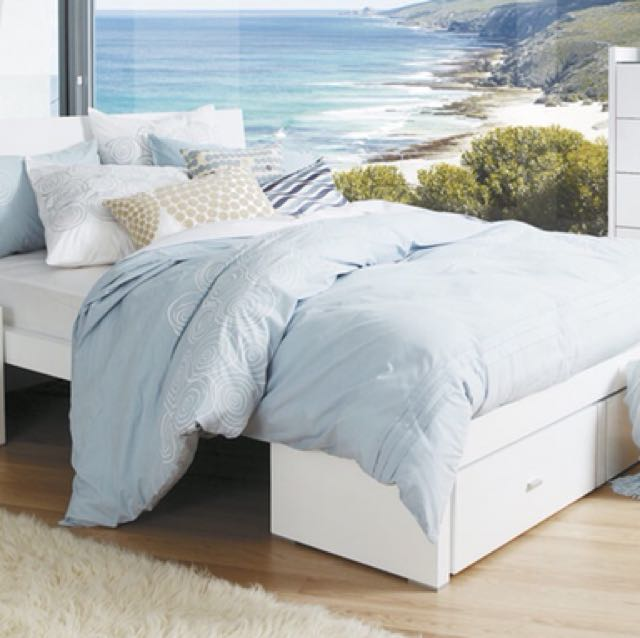 Queen size high gloss bed frame only