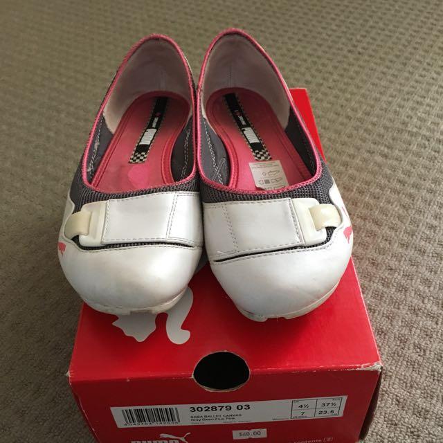 Reduced Ladies Puma Flats