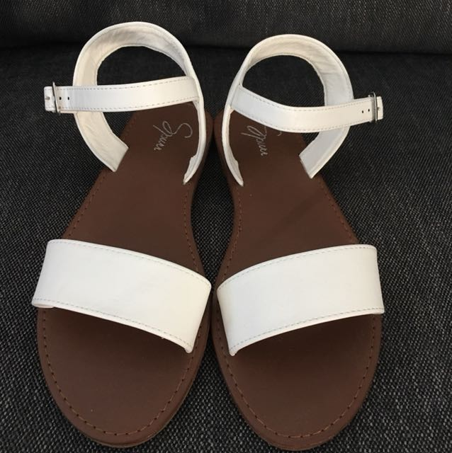 Spurr White Sandals