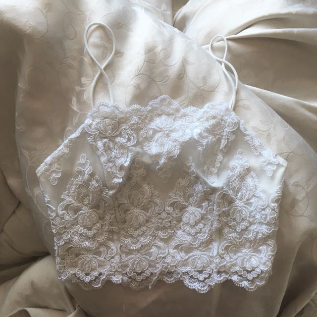 TOPSHOP White lace Crop