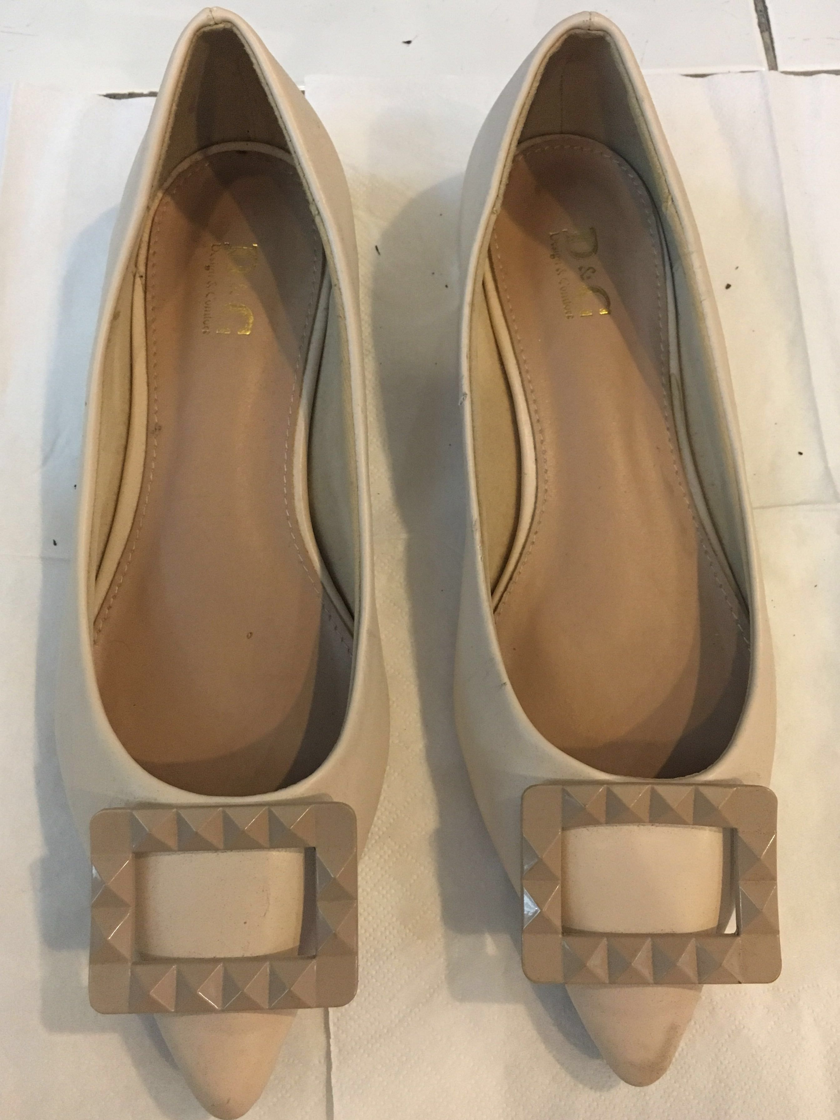 Unbranded Pointed Toe Flats in Nude
