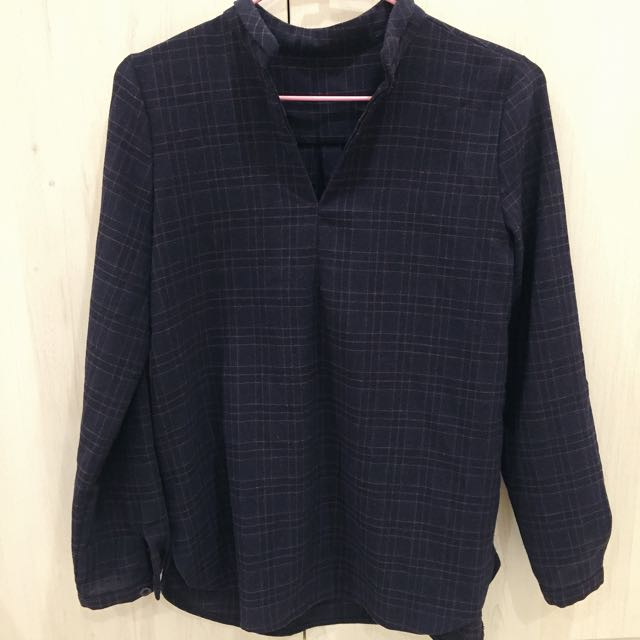 深藍格紋V領襯衫