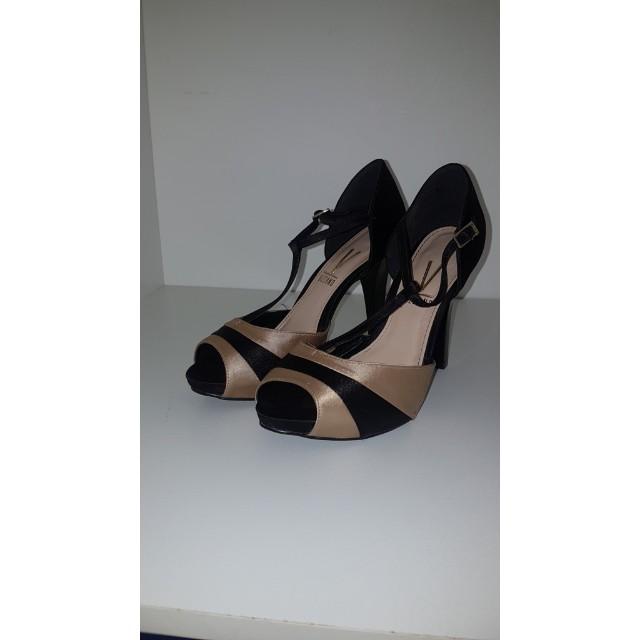 Vizzano Heels Size 9