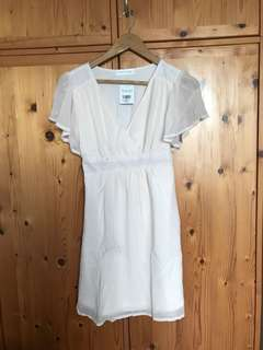 BNWT Tracyeinny Yvette Fluttersleeves Cream Dress