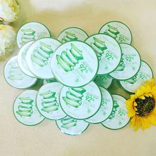 🌿 Nature Republic Soothing & Moisture Aloe Vera 92% Soothing Gel 🌱