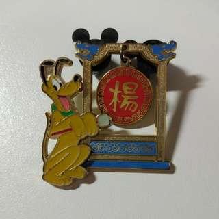 Disney pin 迪士尼徽章 襟章