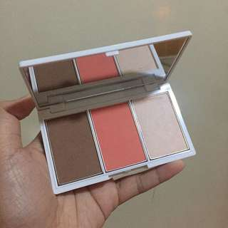 Celeteque Blush and Face Contour Kit (Shade: Peach)