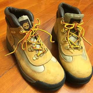 size 37-38Timberland經典鞋