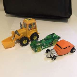 (Free)Hot Wheels Cars and a truck