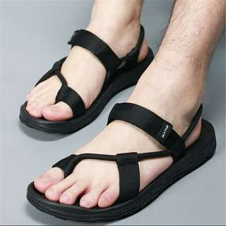 sporty sandal for outdoor
